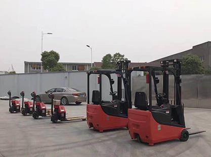 青岛电动堆高车应用